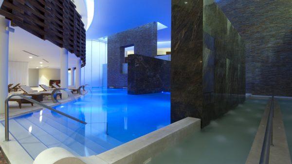 Grand Velas Hotel
